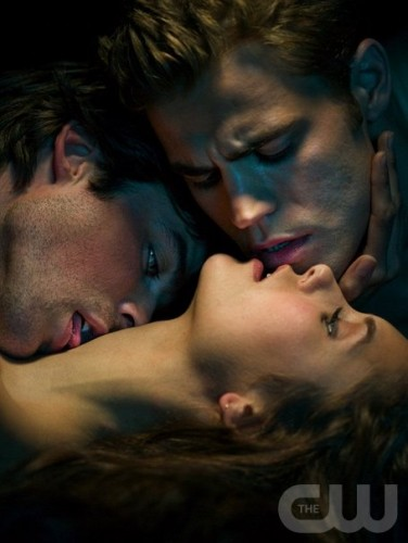 gallery_enlarged-vampire-diaries-love-sucks-photos-08082009-06.jpg