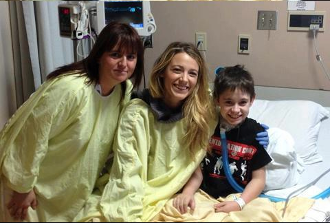 blake lively, ryan reynolds, ospedale pediatrico, oscar 2013, blake lively ryan reynolds