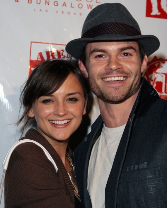 daniel gillies, rachael leigh cook, the originals, broken kingdom, primo figlio