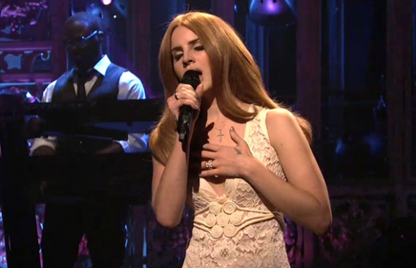 lana del rey, saturday night live, video games, blue jeans, lana del rey canta male, critiche lana del rey