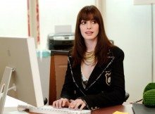 Anne-Hathaway-Fashion-Devil-Wears-Prada-Pictures