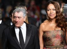 "US actor Robert de Niro and his wife Grace Hightower arrive on May 16, 2016 for the screening of the film ""Hands of Stone"" at the 69th Cannes Film Festival in Cannes, southern France.  / AFP / ALBERTO PIZZOLI        (Photo credit should read ALBERTO PIZZOLI/AFP/Getty Images)"