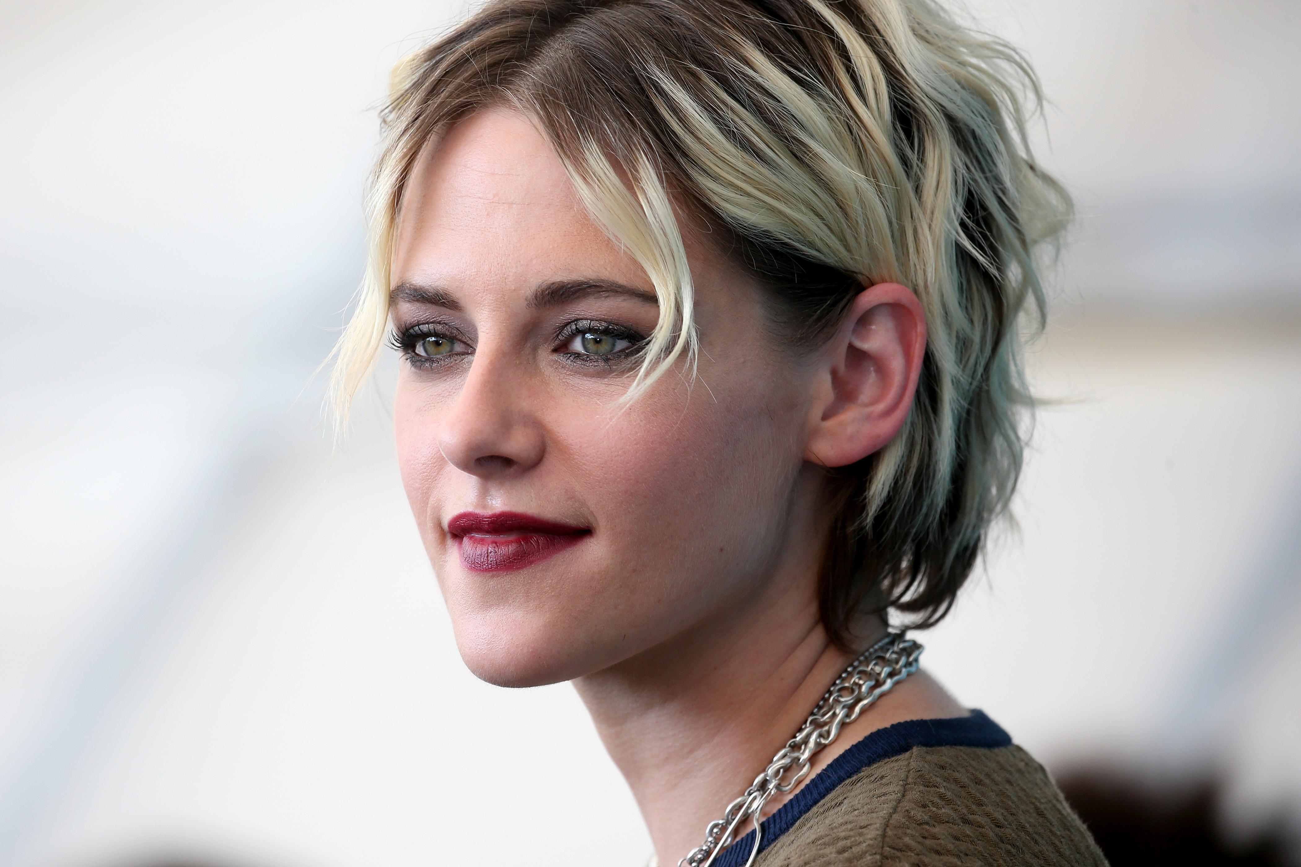 "VENICE, ITALY - AUGUST 30: Kirsten Stewart attends ""Seberg"" photocall during the 76th Venice Film Festival at Sala Grande on August 30, 2019 in Venice, Italy. (Photo by Franco Origlia/Getty Images)"